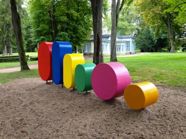 8/8- At Parc Saint Léger, modules are the building blocks of an evolutive graphic system.