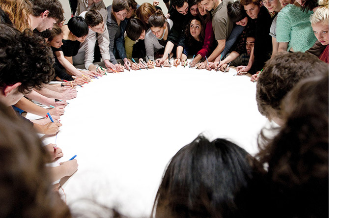 One hour in one minute: 60 participants drew a small section of a circle in 60 seconds.