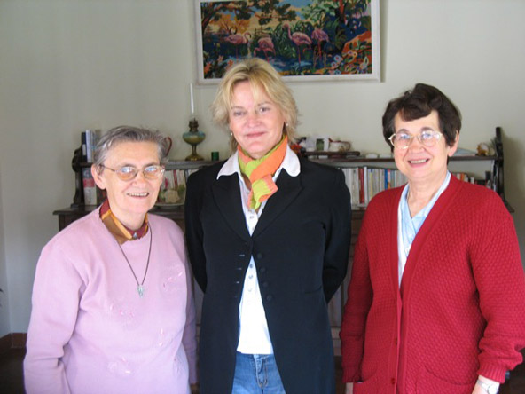 1/5 - Lilly with Soeurs Ursule and Marie at the Sorbets school in 2006
