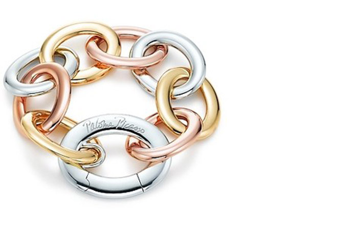 2/5 - A gold link bracelet by Paloma Picasso for Tiffany & Co.